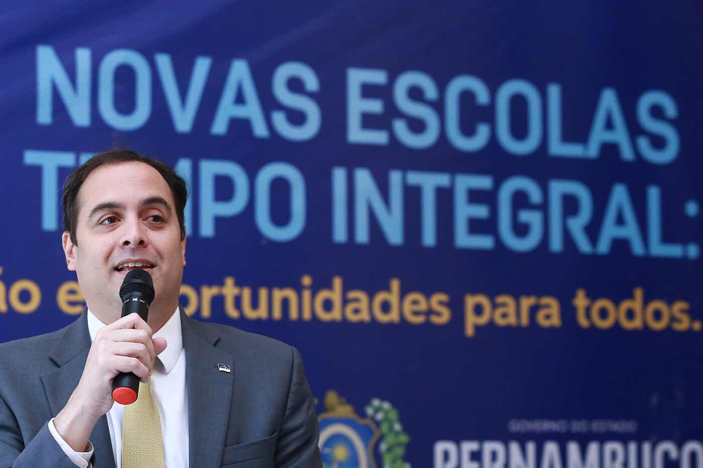 Paulo Câmara estreita relações com o Panamá