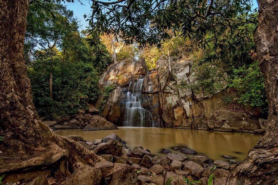 image of daringbadi waterfall