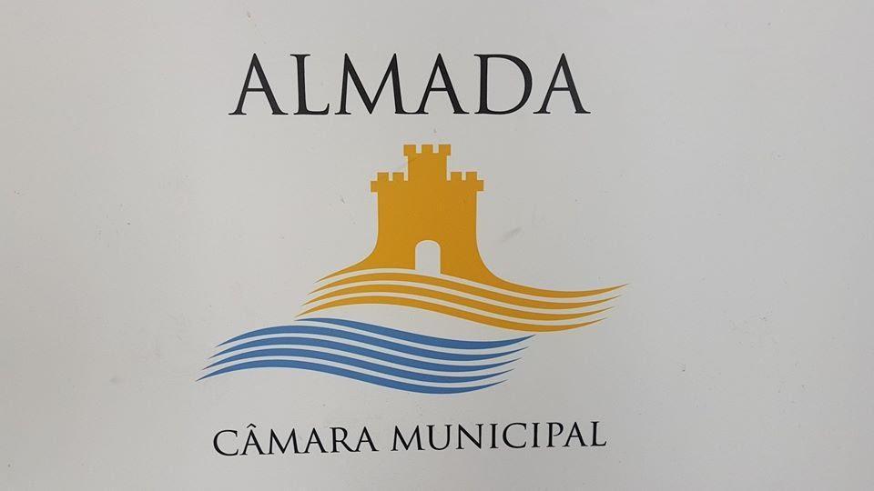 Image may contain: possible text that says 'ALMADA CÂMARA MUNICIPAL MUNICIPAL'