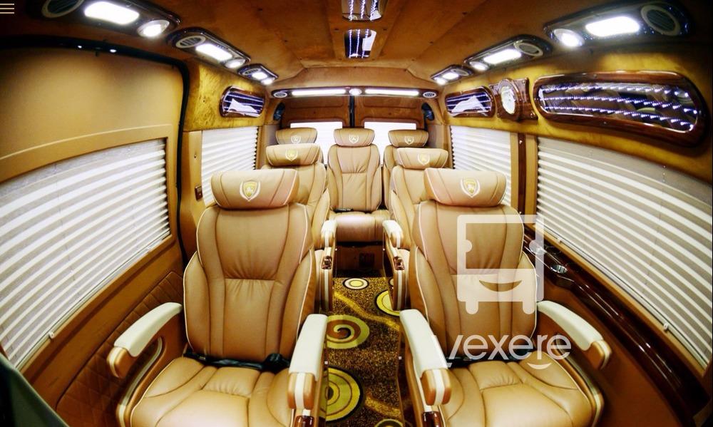 Nội thất xe Hồng Vinh Limousine từ Hà Nội đi Vinh