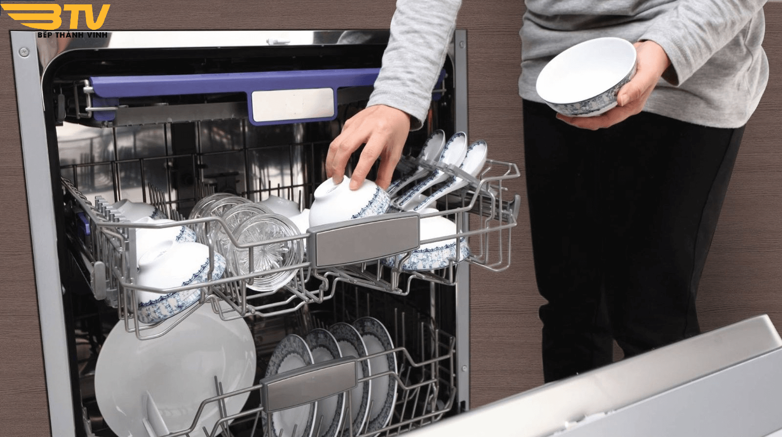 Máy rửa bát Bosch SMS88TI07E