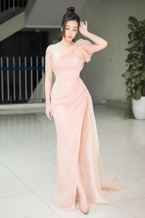 Đầm dạ hội kim tuyến hồng D504