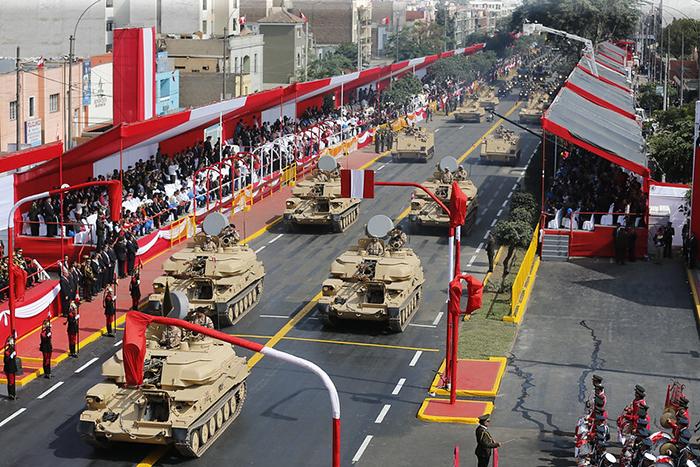 Gran Parada Militar en Fiestas Patrias