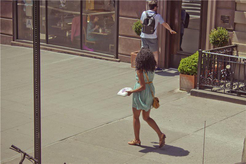 Девушка с едой США глазами туриста, туризм, факты