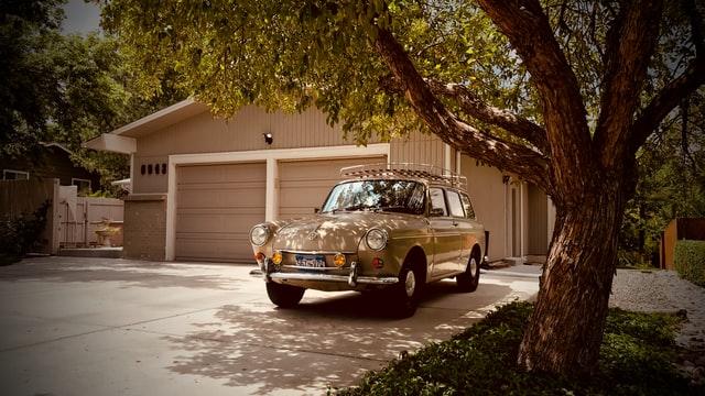 garážovanie, umývanie auta, retro auto