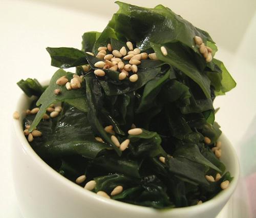 Image result for món ăn truyền thống từ rong biển của nhật