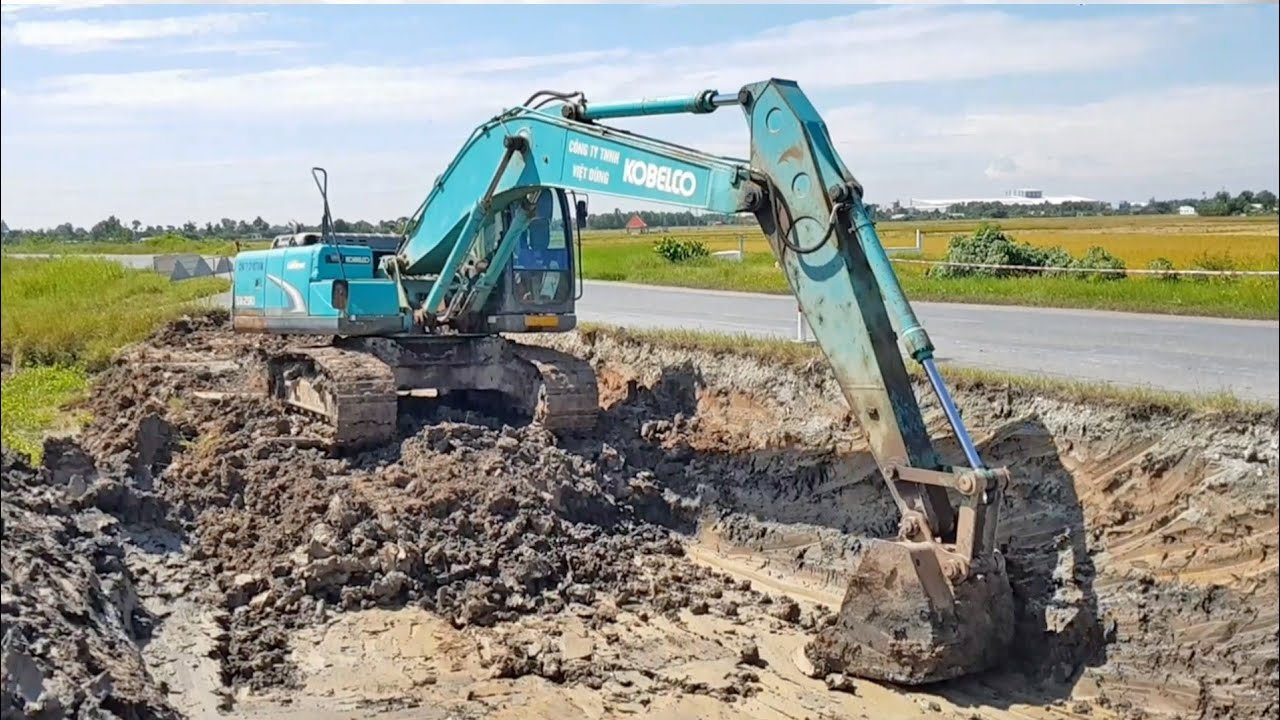 Máy xúc đào được ứng dụng rộng rãi trong đời sống