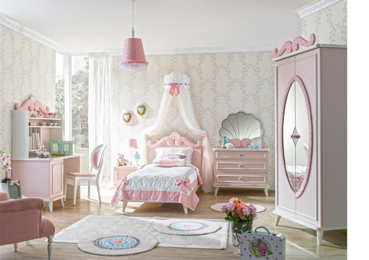 Phòng ngủ trắng hồng
