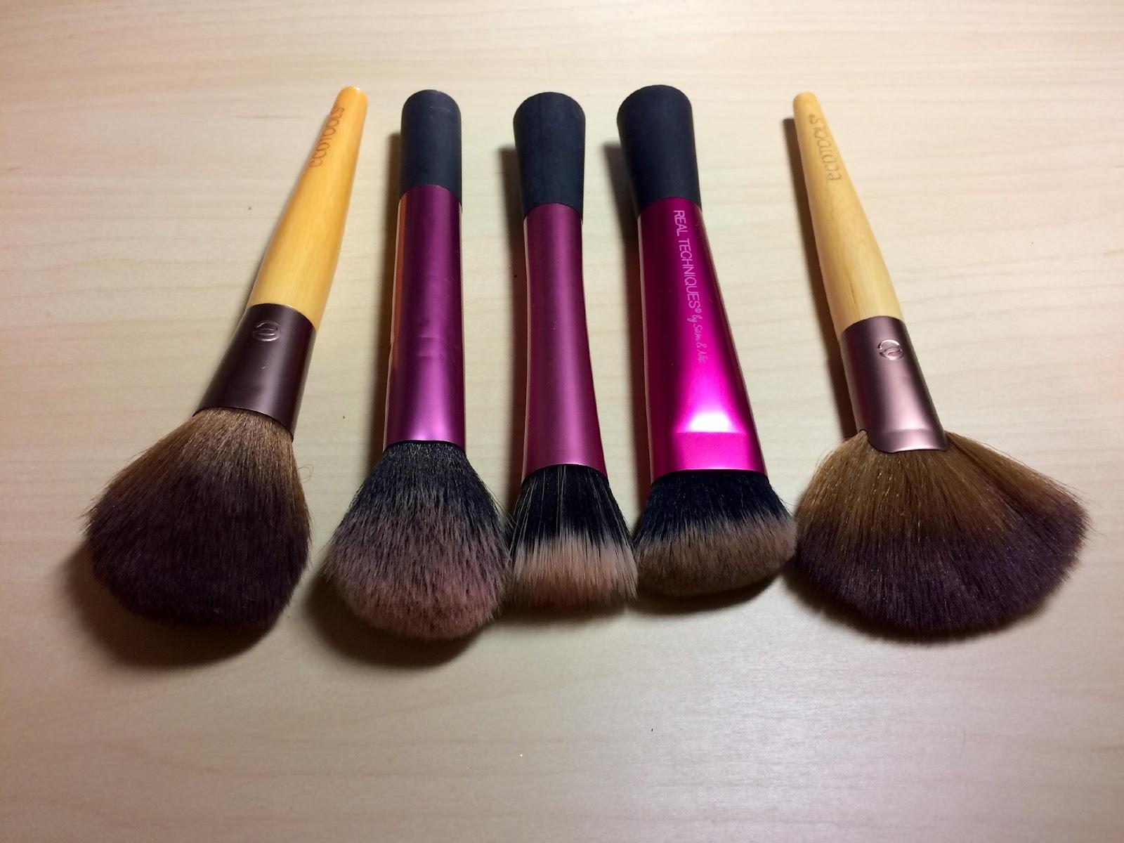 6 Essential Makeup Tools | Her Campus