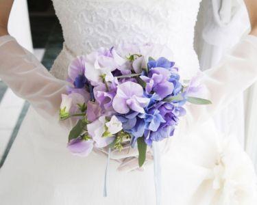 Свадебный букет с дикими фиалками