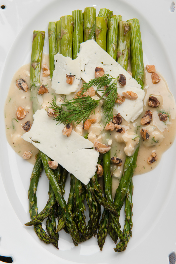 Roasted Asparagus Salad with Blue Cheese Vinaigrette | Everyday Good Thinking - the official blog of @hamiltonbeach