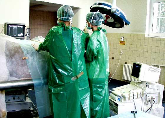 Investigación con laparoscopio ultrasonográfico sobre el lado izquierdo.