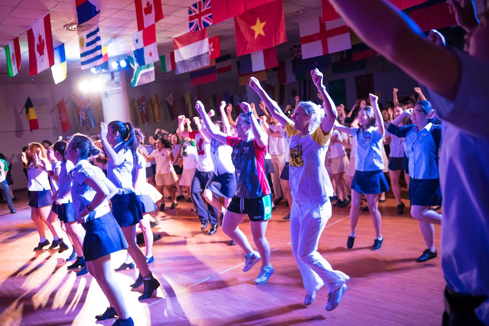 Dancing Assembly 17-2253.jpg