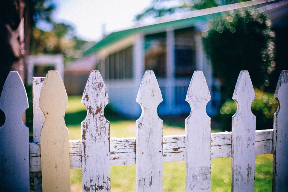 picket-fences-349713_960_720.jpg