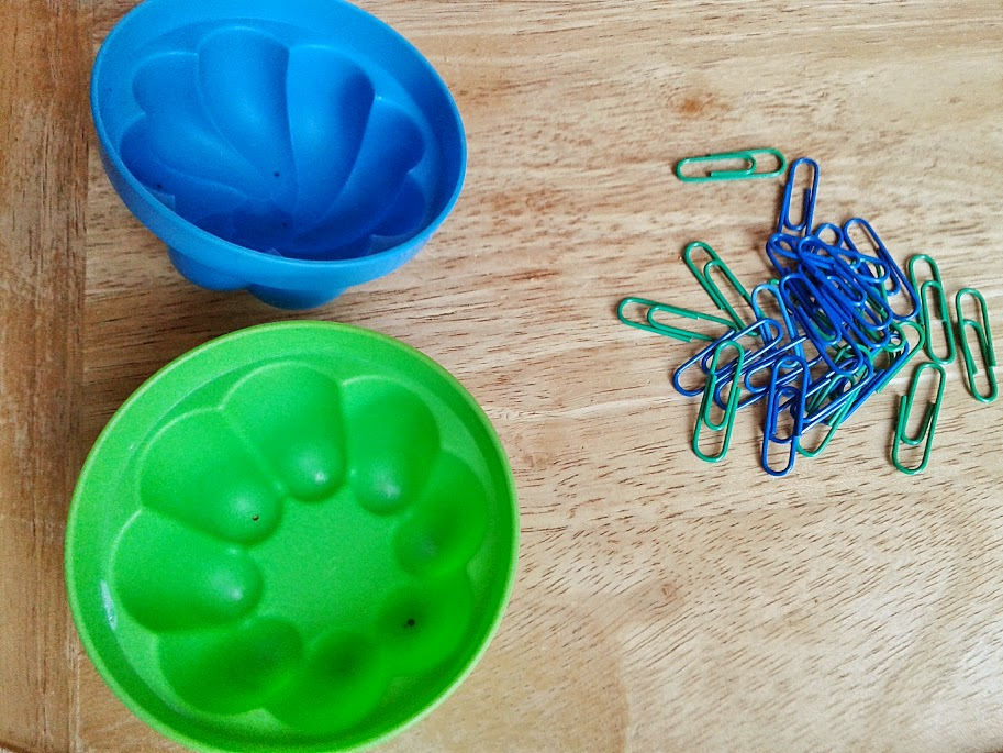 Welcome to Mommyhood: paper clip sorting