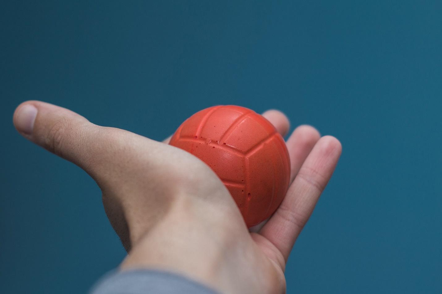मऊ बॉल पिळा