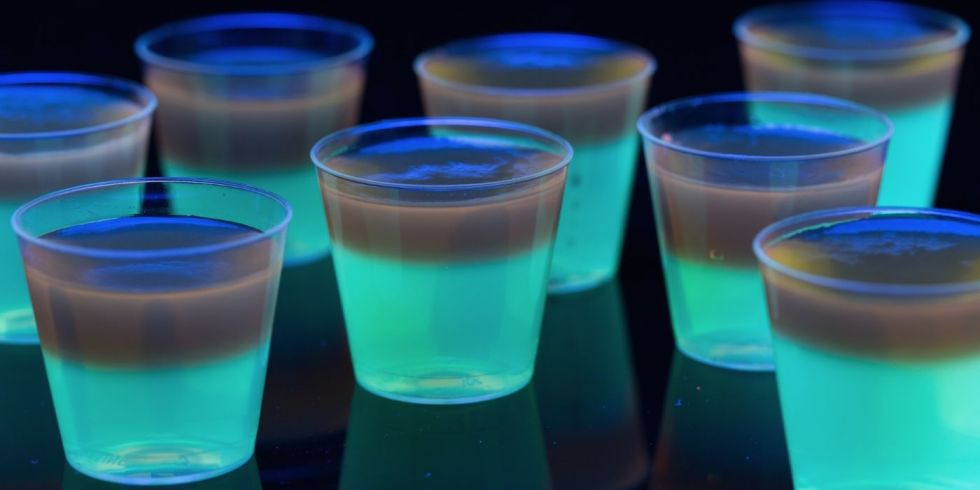 landscape-1444942234-delish-glow-food-jello-shots-recipe.jpeg