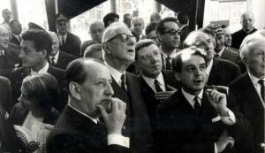 isite officielle à la Maison de la Culture de Bourges, en 1965, André Malraux, Charles de Gaulle, Émile Biasini et Gabriel Monnet