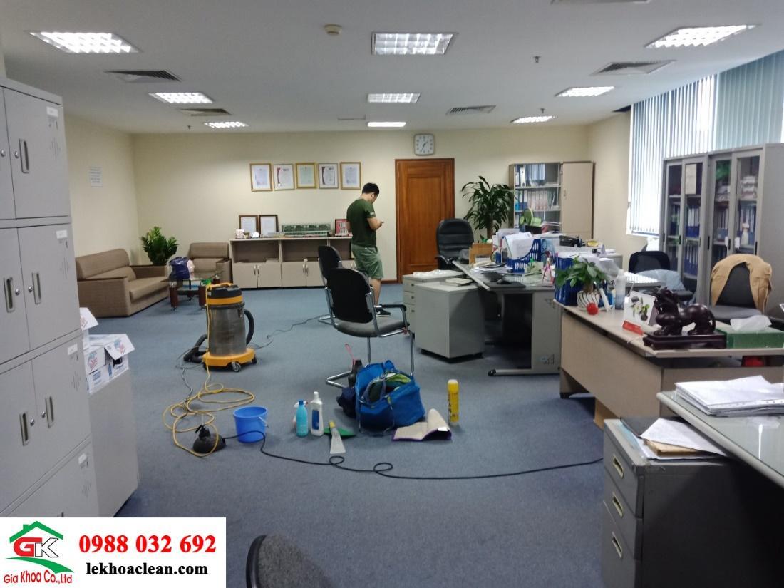 Dịch vụ giặt thảm,giặt ghế văn phòng