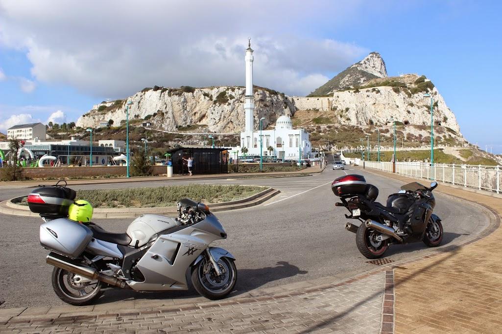 gibraltar - Carregar a bateria da moto até... Gibraltar XHjpMLXjfP6WLWzx7ZmAz-ucKTlbson2w3KDcY0a3Mw=w1025-h683-no