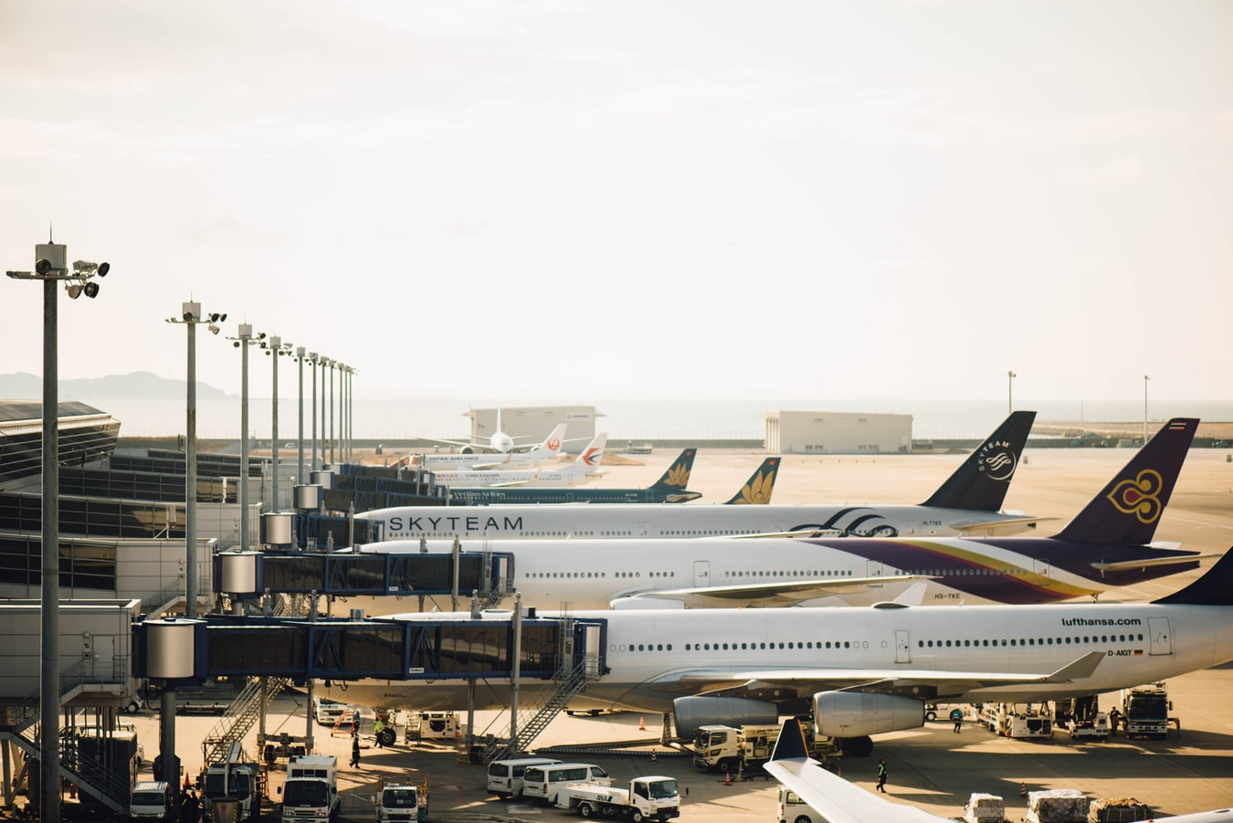 Yếu tố ảnh hưởng đến giá cước vận chuyển hàng không quốc tế