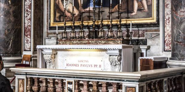 Xem mộ Đức Gio-an Phao-lô II mà không phải đến Vatican?