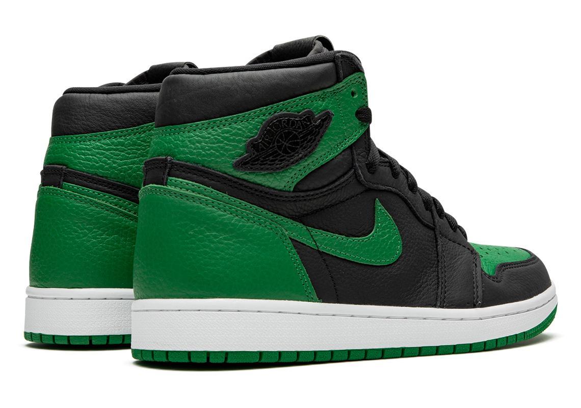 """Air Jordan 1 Retro High OG Black Pine Green"" สายเขียวถูกใจกันไหม 03"