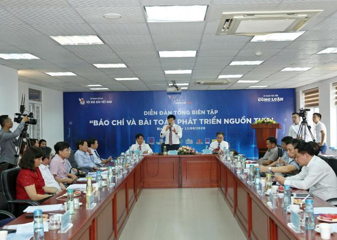 Thu phí đọc báo điện tử - con đường sinh tồn của báo chí Việt Nam - Ảnh 1