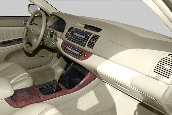 cabin-of-the-Toyota-Camry-2004