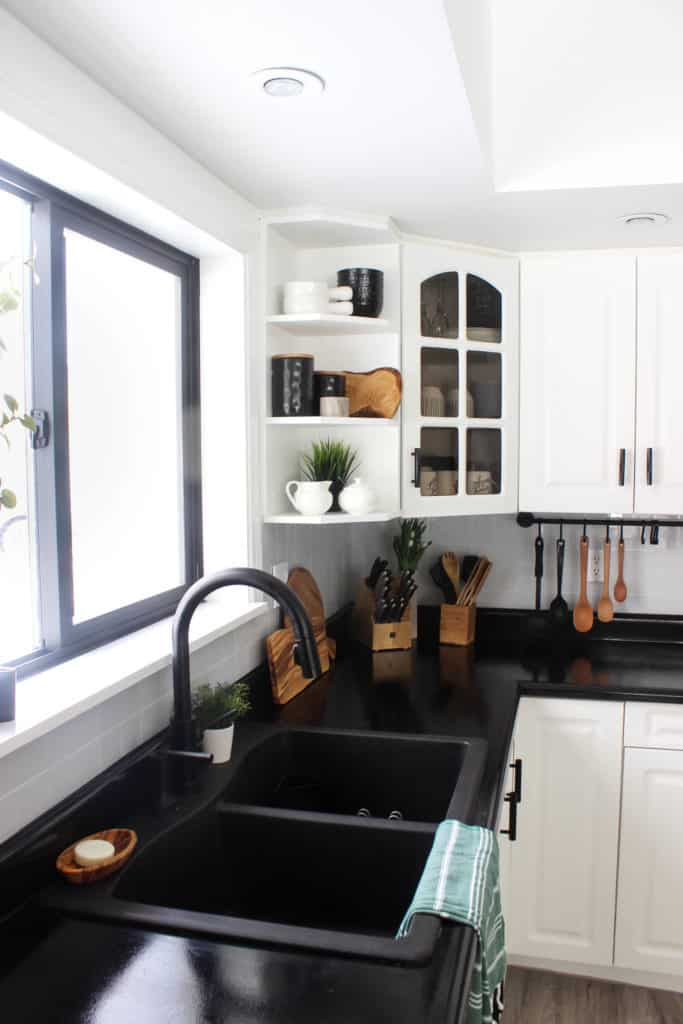 White Cabinets With Black Countertops 12 Inspiring Designs