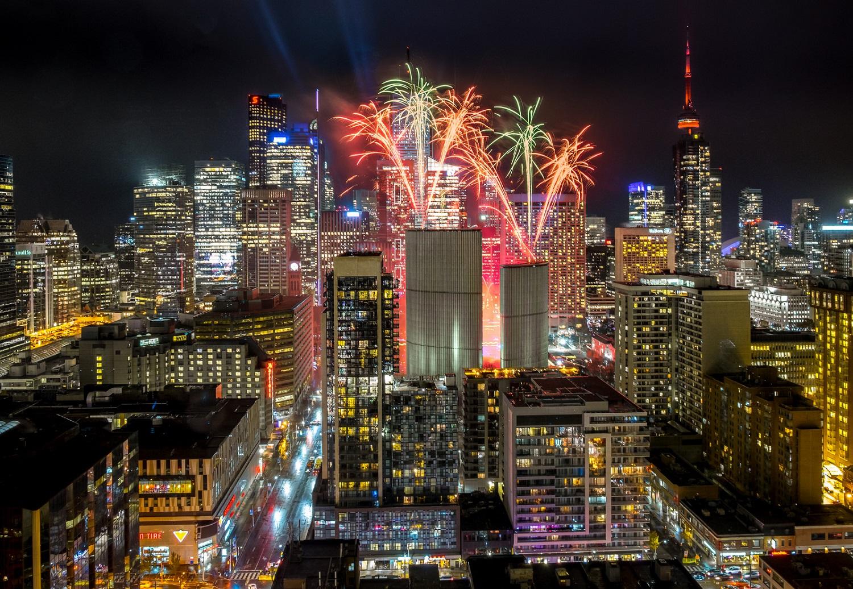 Toronto se viste de colores por Navidad