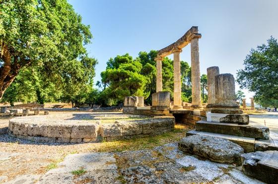 http://www.visitgreece.gr/deployedFiles/StaticFiles/Photos/Generic%20Contents/Arxaiologikoi_xwroi/Filippeio_olympia_560.jpg