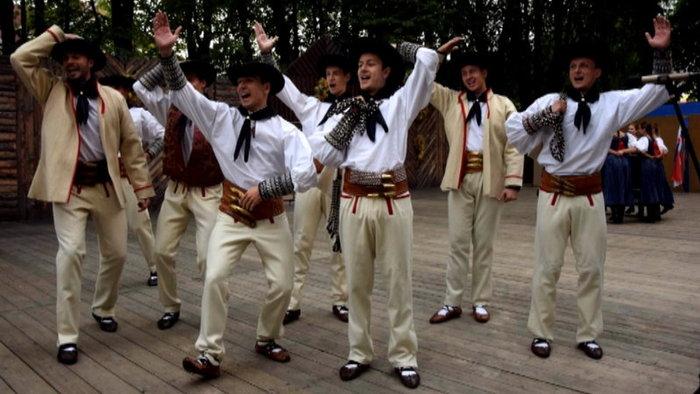 Folklóristi prišli o kroje