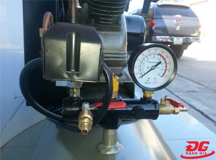 Điều chỉnh áp suất khí nén phù hợp với công suất và lưu lượng khí nén