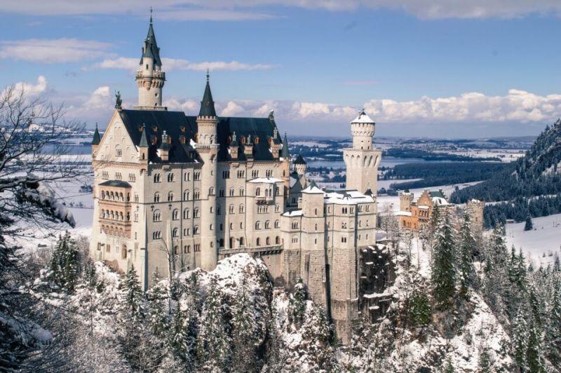 Tổng quan về nước Đức: Lâu đài Schwerin nổi tiếng của nước Đức