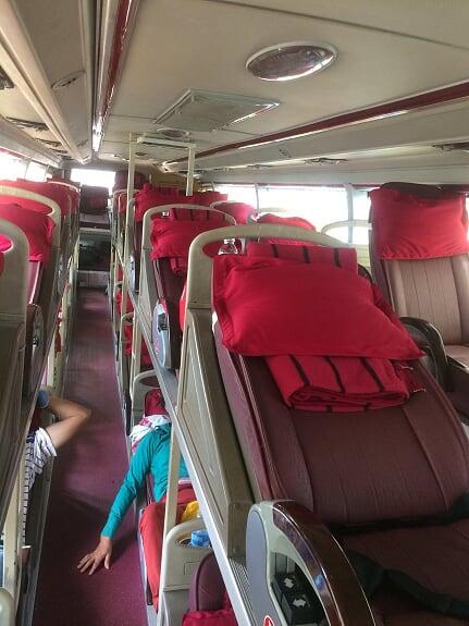 Nội thất xe Thu Thiên Trang đi Quảng Ngãi từ Sài Gòn