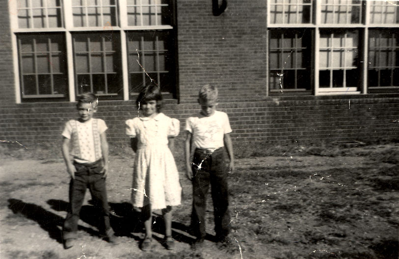 Larry Vaughn, Sharon Lane, Jim Tate at Field School, 5th grade, 1955_2_sml.jpg