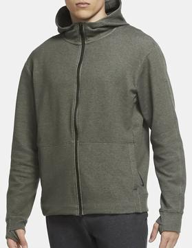 ジャケットを着ている男  中程度の精度で自動的に生成された説明
