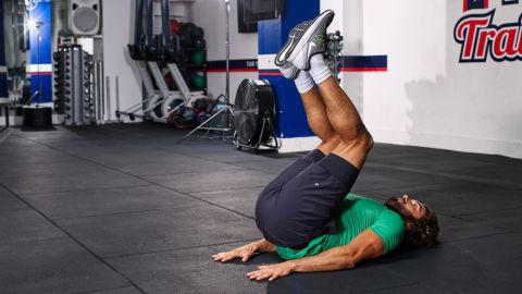 reverse crunch targets  lower abs for strong core