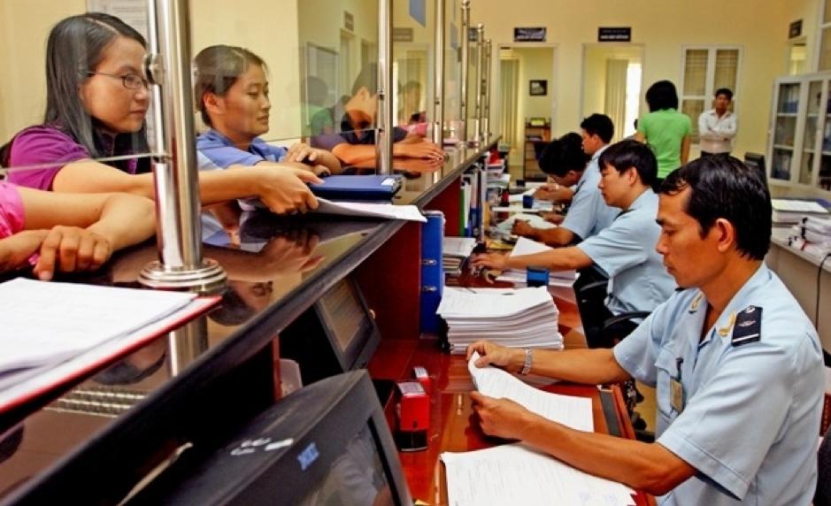 Thực hiện hồ sơ thủ tục xuất nhập khẩu hàng hóa theo quy định Hải Quan