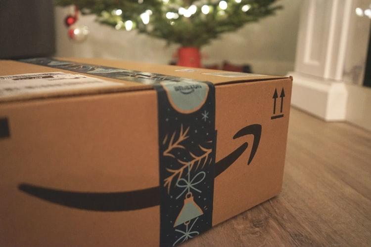 Phí vận chuyển khi mua hàng trên Amazon về Việt Nam là bao nhiêu?