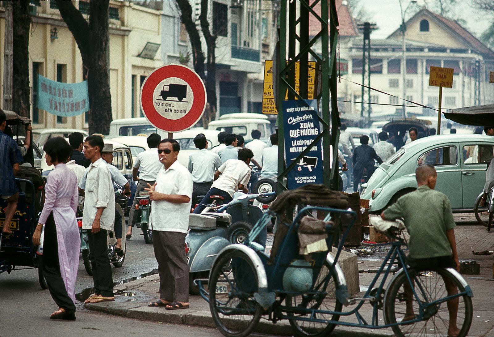 60 tấm ảnh màu đẹp nhất của đường phố Saigon thập niên 1960-1970 - 29