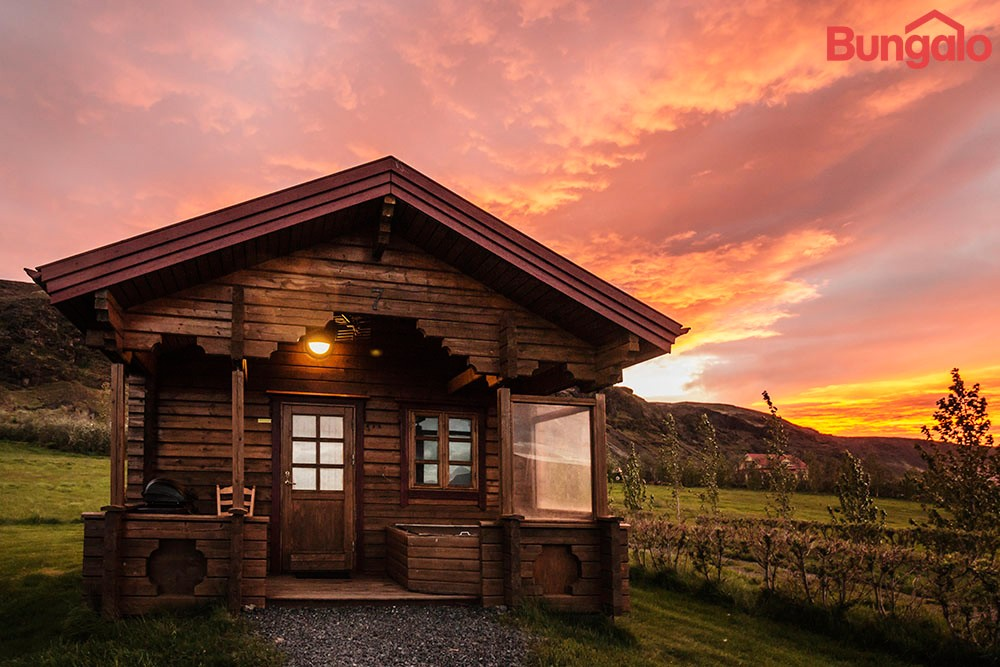 Nupar Small Cabin with sunset