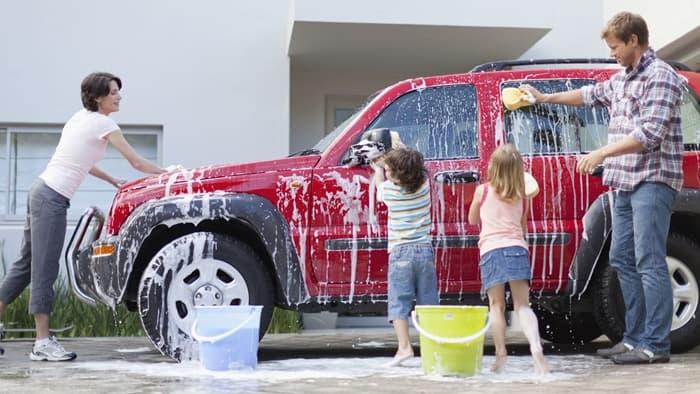 ฝน ตก ล้าง รถจะทำให้รถของคุณมีสีสดใสตลอดเวลา