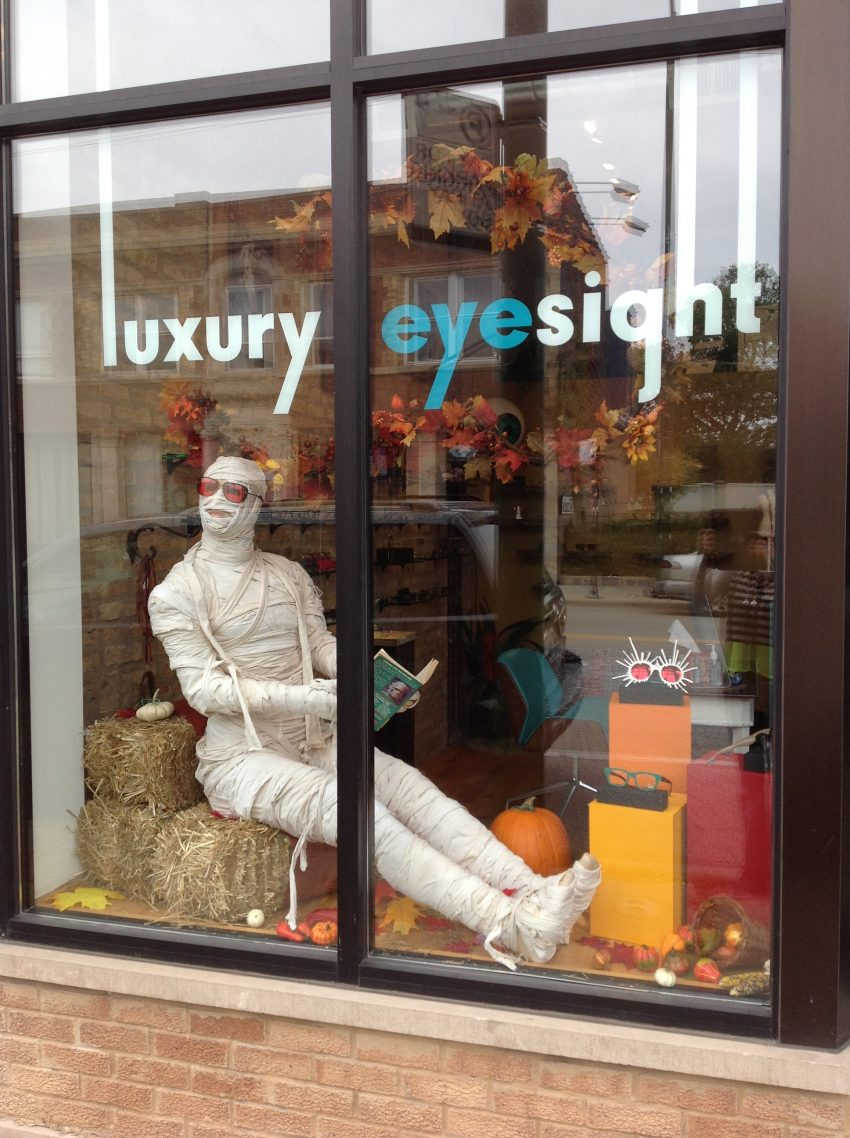 mummy halloween display