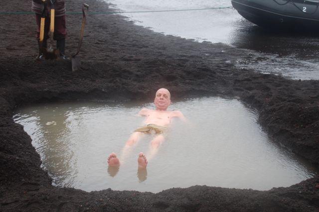 In das polare Wasser gelangen