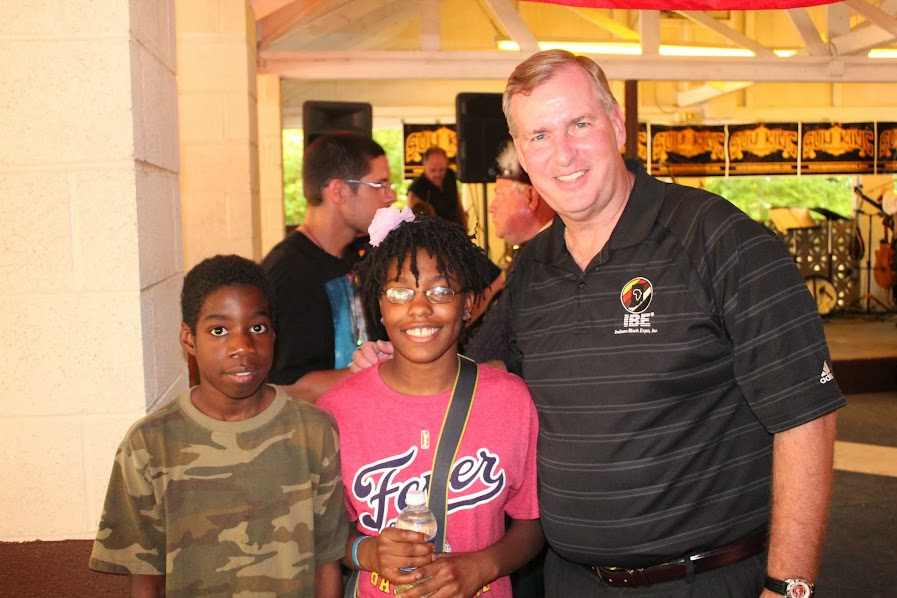 Indianapolis Mayor Greg Ballard and two of the Deckers kids