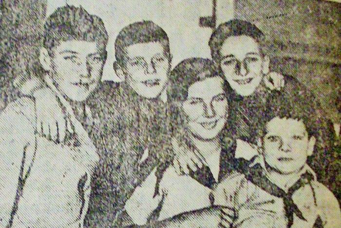 Еффі Джонс зі своїми підопічними у Харкові