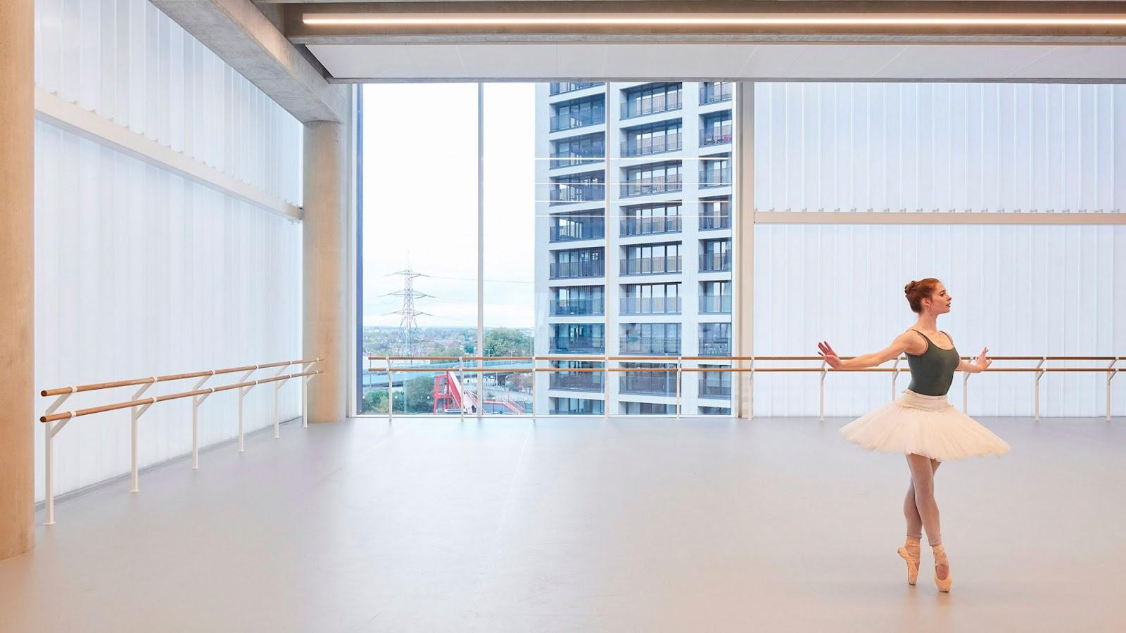 Nueva sede para el English National Ballet por Glenn Howells Architects. Fotografía por Hufton + Crow