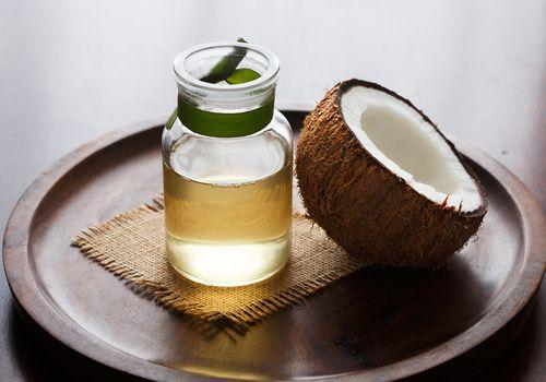 Coconut Oil for Hair: When and How to Use It